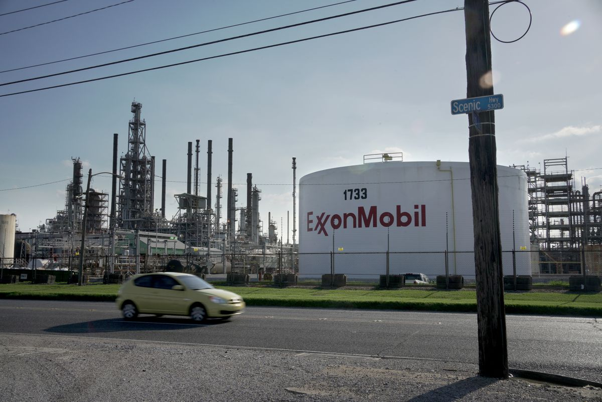 Largest Louisiana oil refineries coming back to life after Ida