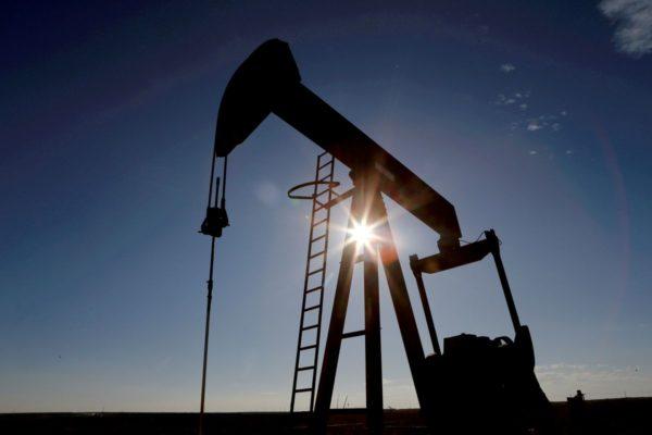 Бурильщики США добавляют нефтяные и газовые установки шестую неделю подряд - Baker Hughes
